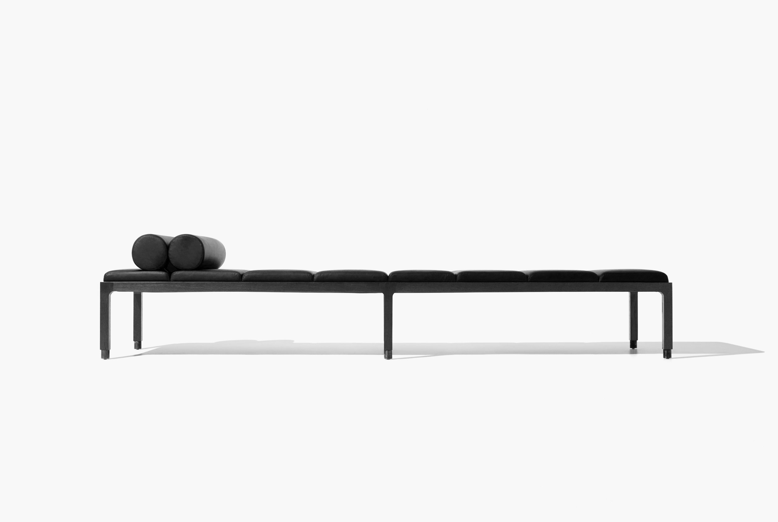 Universo Daybed Best of Year Awards Henry Francis & Sonya Pletes