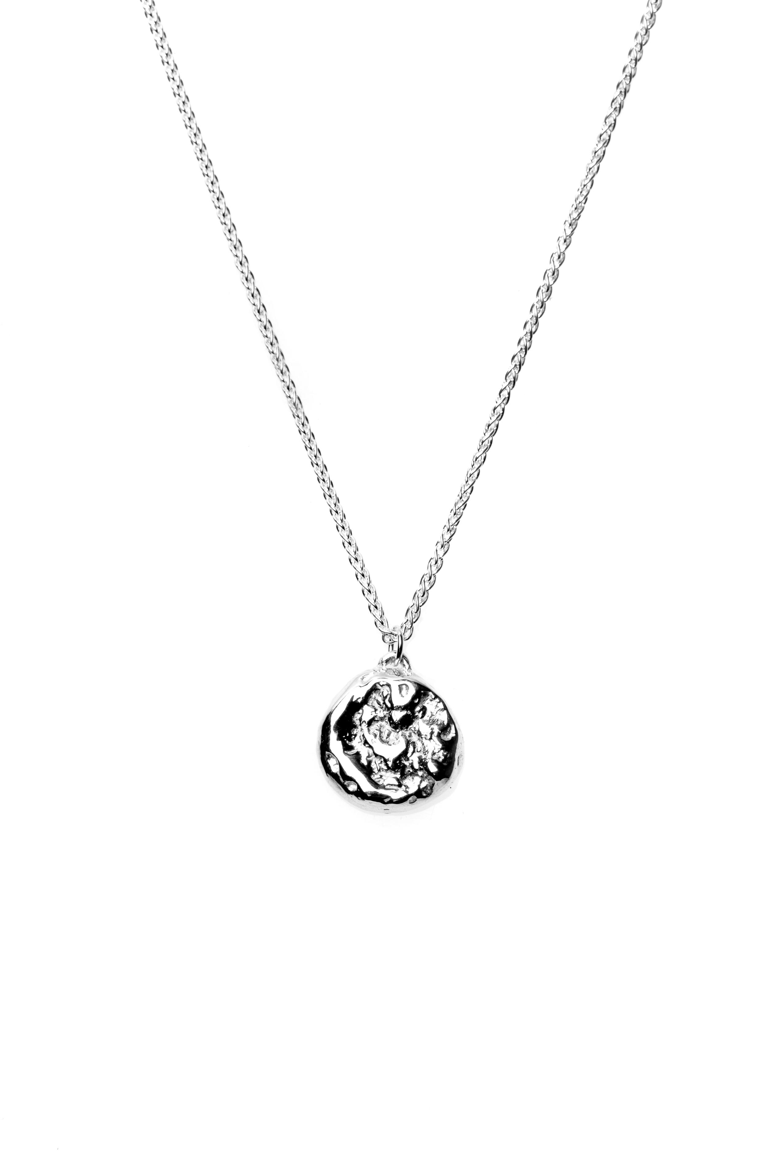 Detail Preserve Glacier Necklace