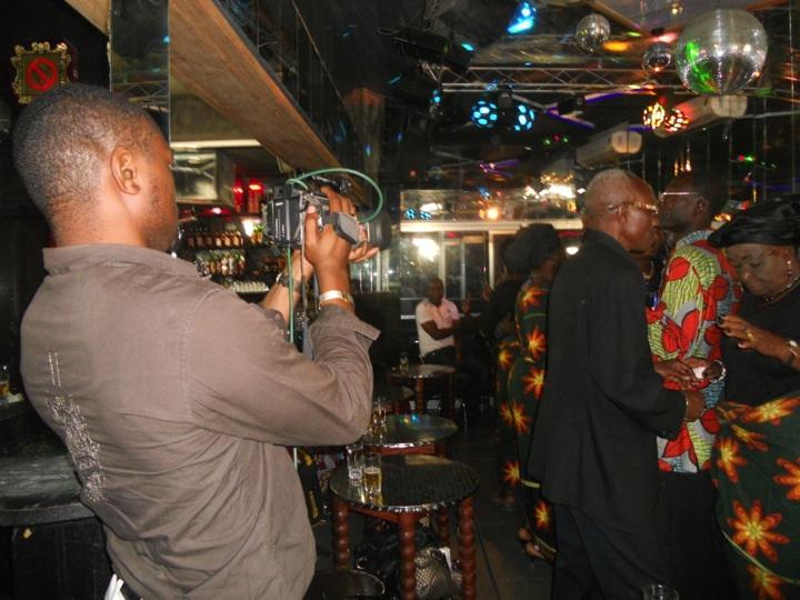 filming a Bana Leo show (copyright Katrien Pype, 2012)