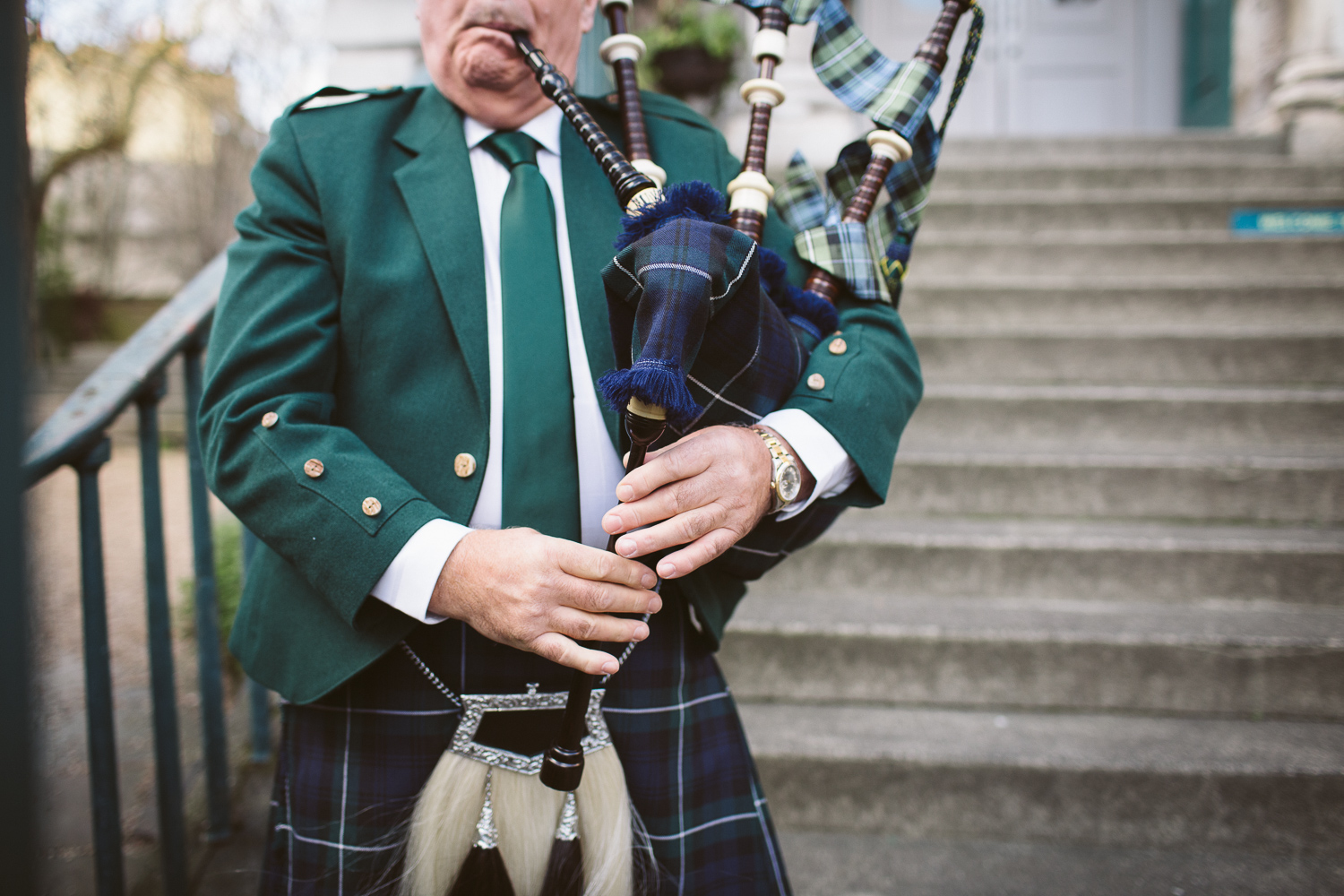 Winter wedding, bagpipes player