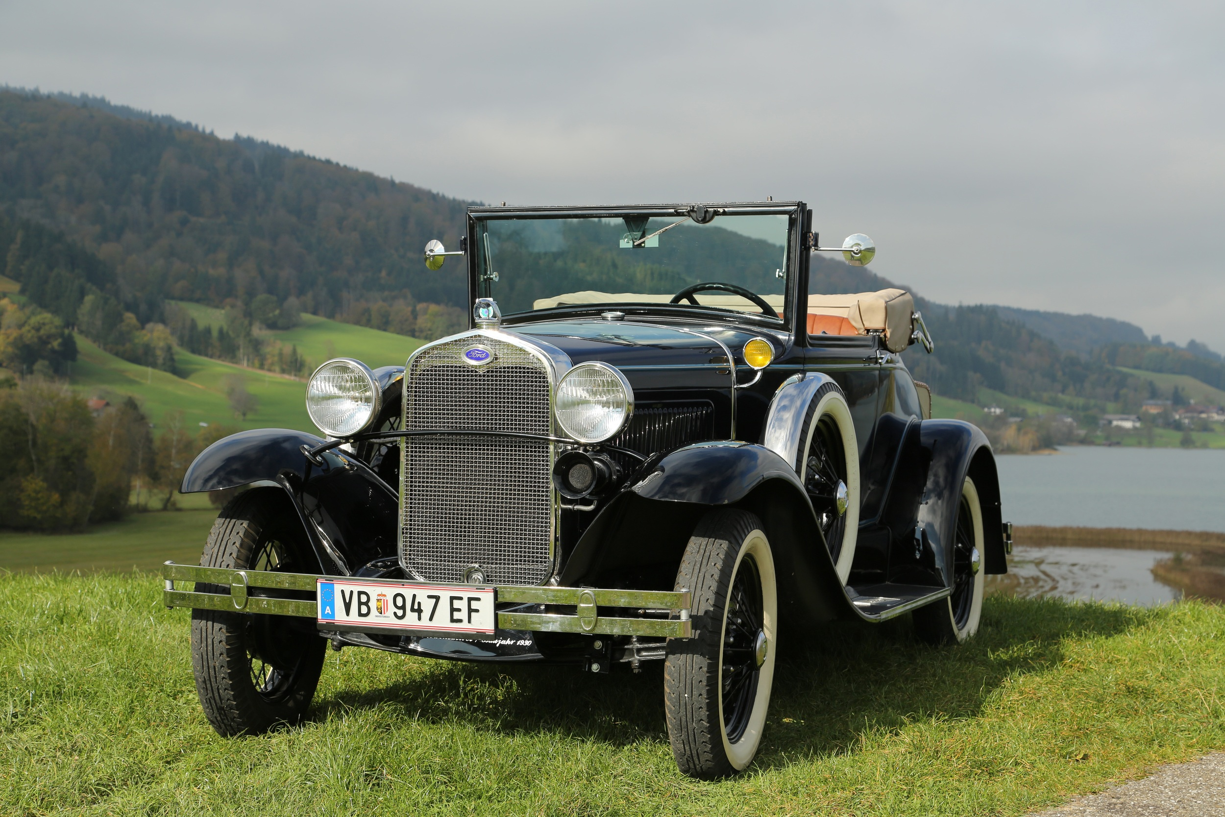 I think this is a Model T, but most stock photos are really expensive, so forgive me if it's not the exact model!