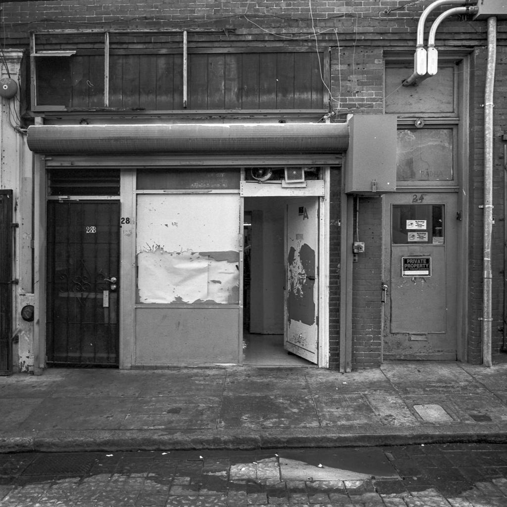 Chinatown, San Francisco, CA, November 2014  Mamiya 6 + Ilford HP5