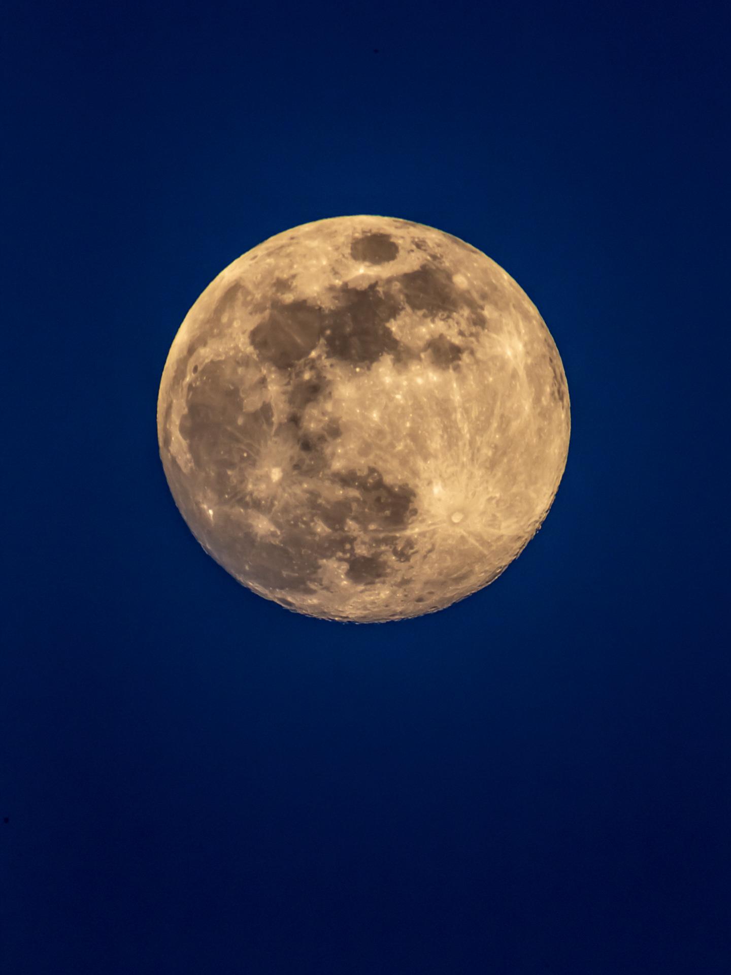 Full Moon | 20190517 2016 E:38.96x77.00@84m