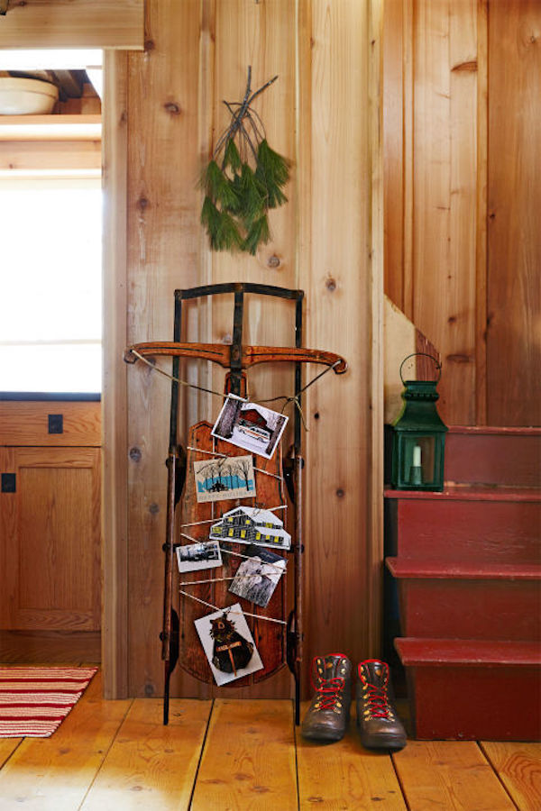 home-for-holidays-entryway-1215_1.jpg
