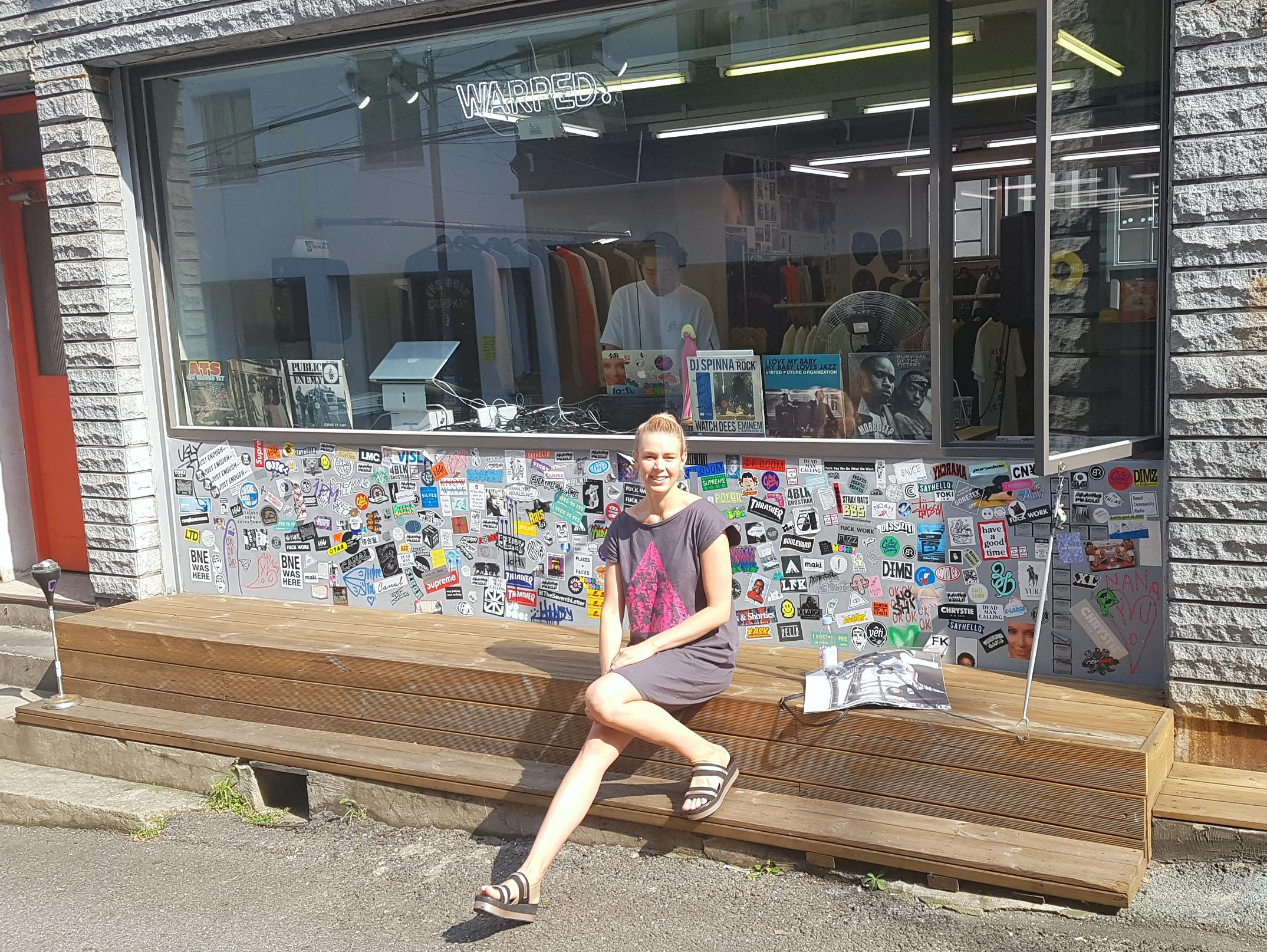 Exploring the urban lifestyle in  Vietto  tunic.