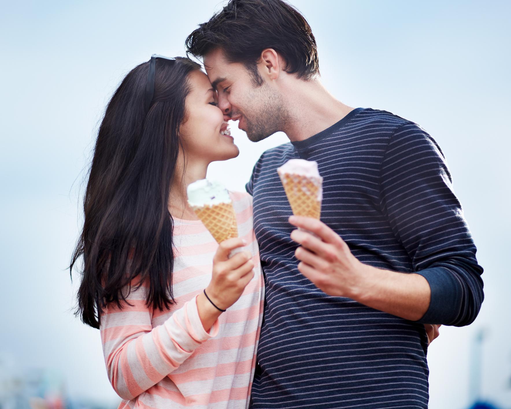 Bride_Groom_Couple_Ice_Cream