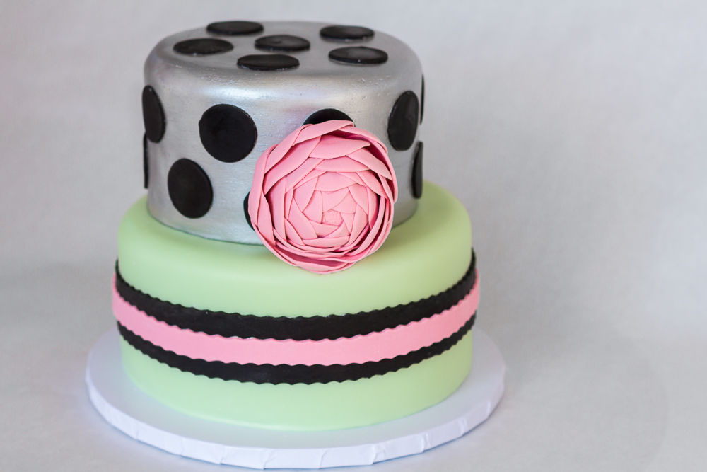 Wedding Cake14 -Silver with Pink Ranunculus.jpg