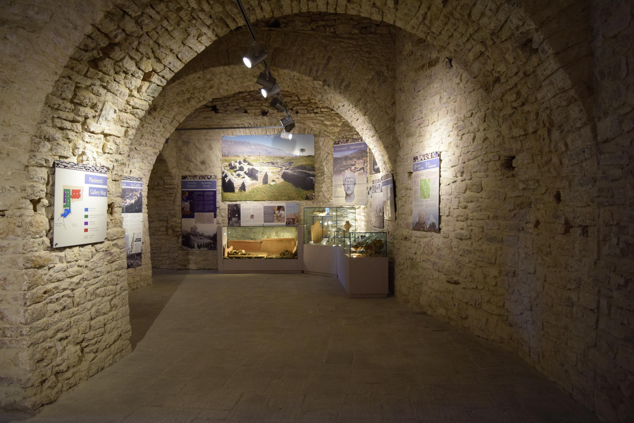 Displays in theMuseum of Gjirokastër