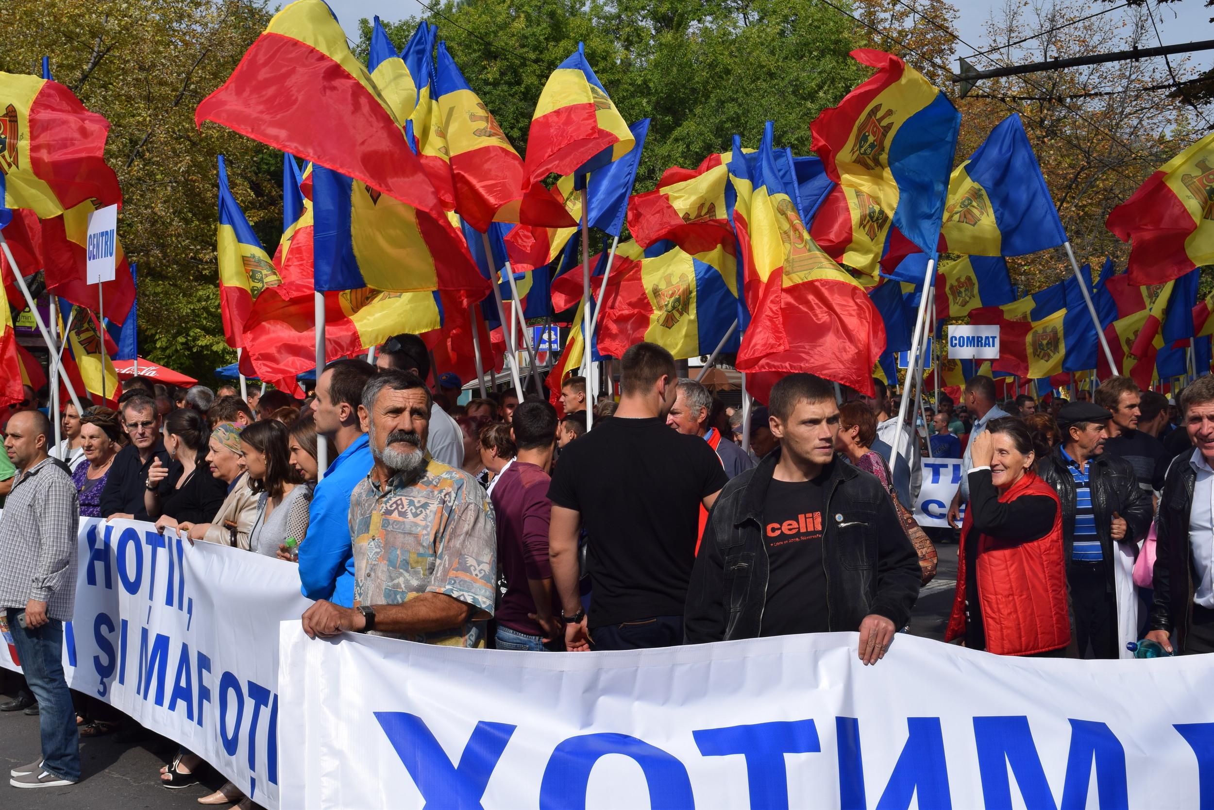 Marchers in Chișinău
