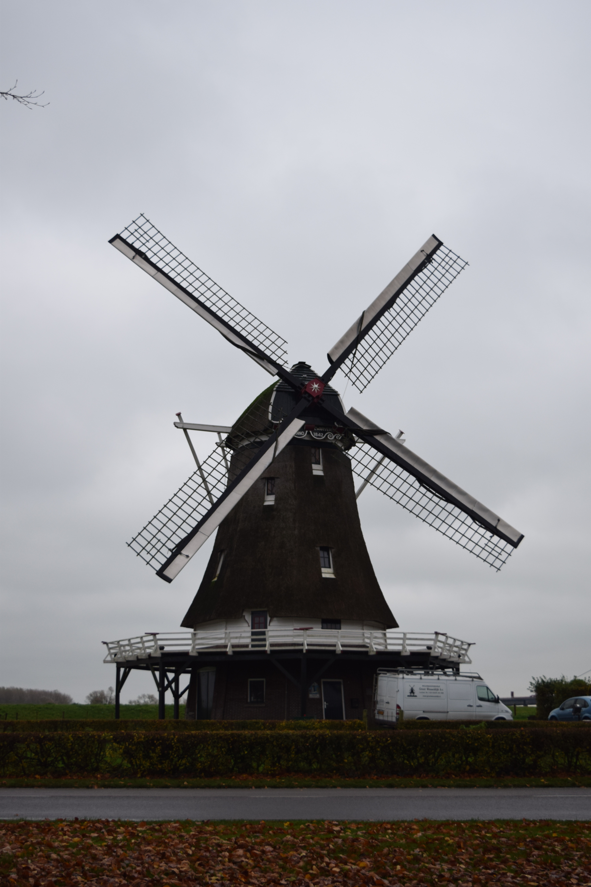 It's not a serious post about the Netherlands if you omit windmills.