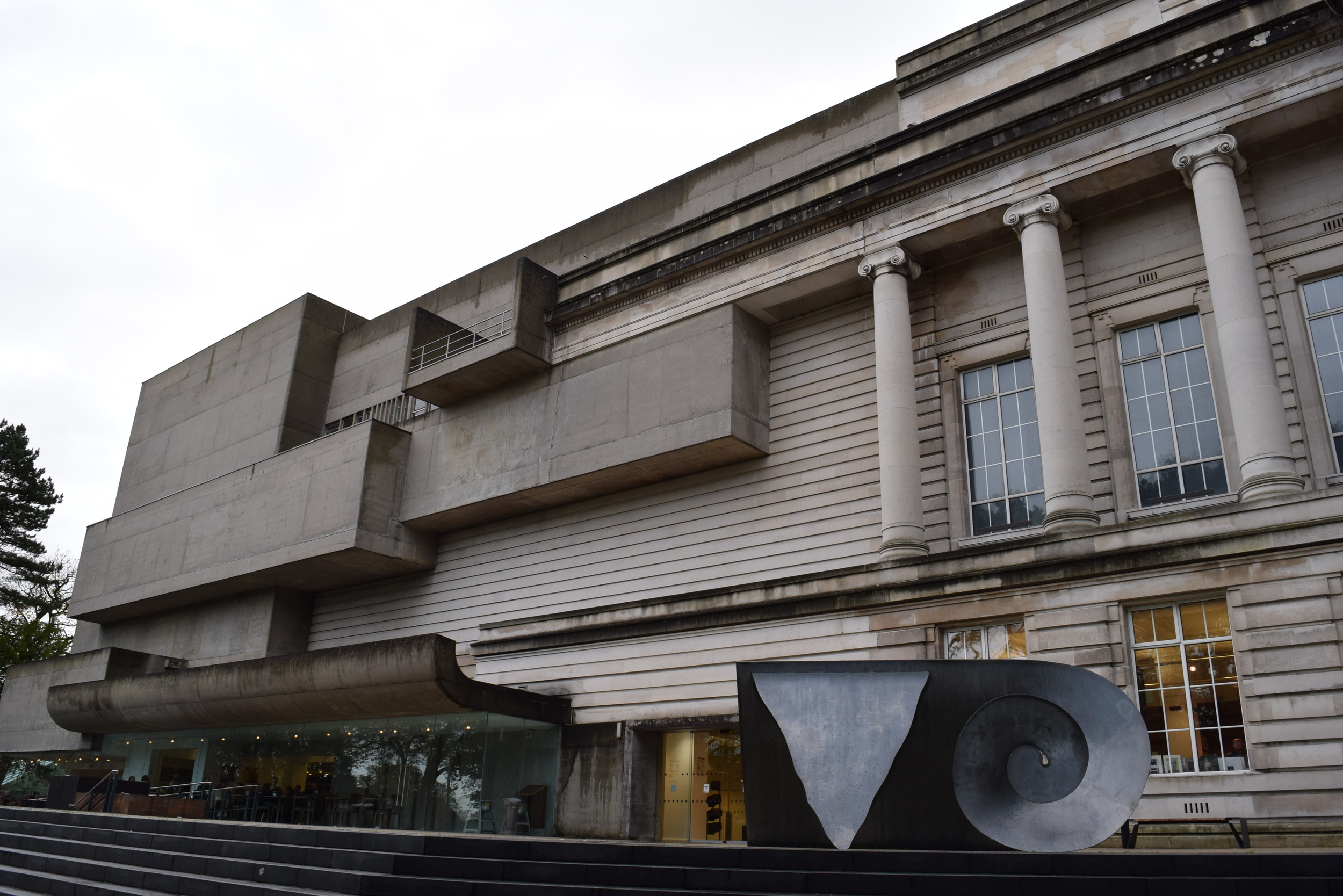The facade of the Ulster Museum- notice the bizarre meshing of architectural styles. The original building was constructed in the 1920s, while the brutalist extension was completed in the 1960s.