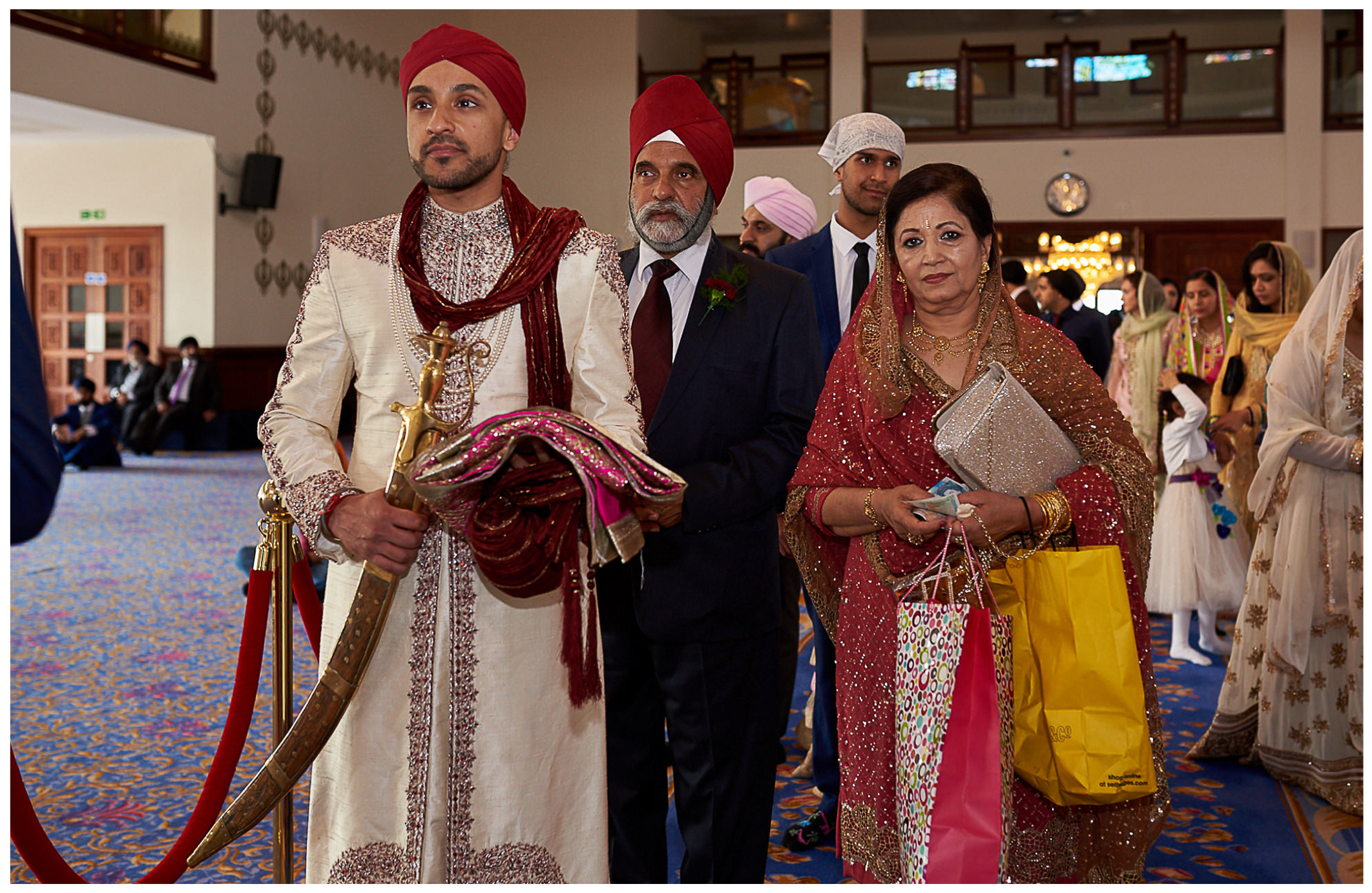 groom entering gurdwara