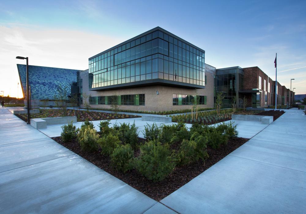 Eisenhower High School, Yakima
