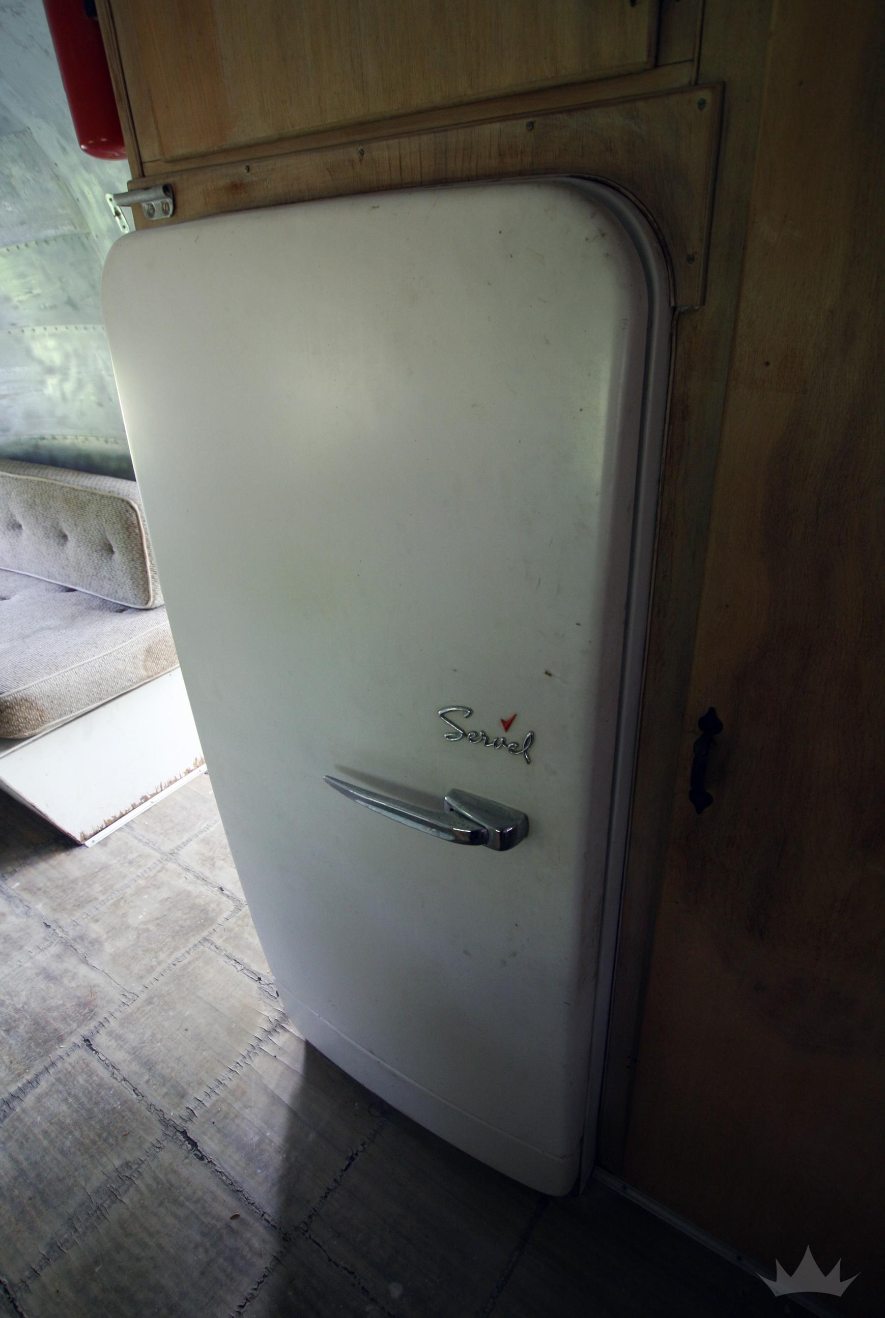 Interior09.jpg