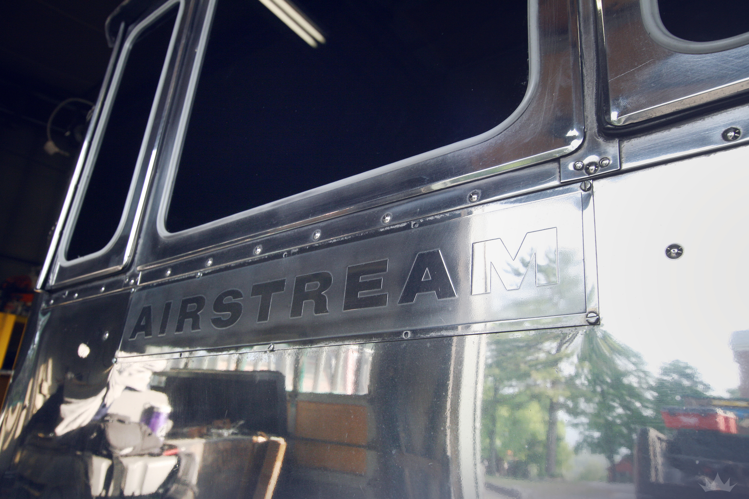 Polished Airstreamplaques add our ESK touch to the exterior. We love details that may be missed at first glance, but add so much to the overall design.