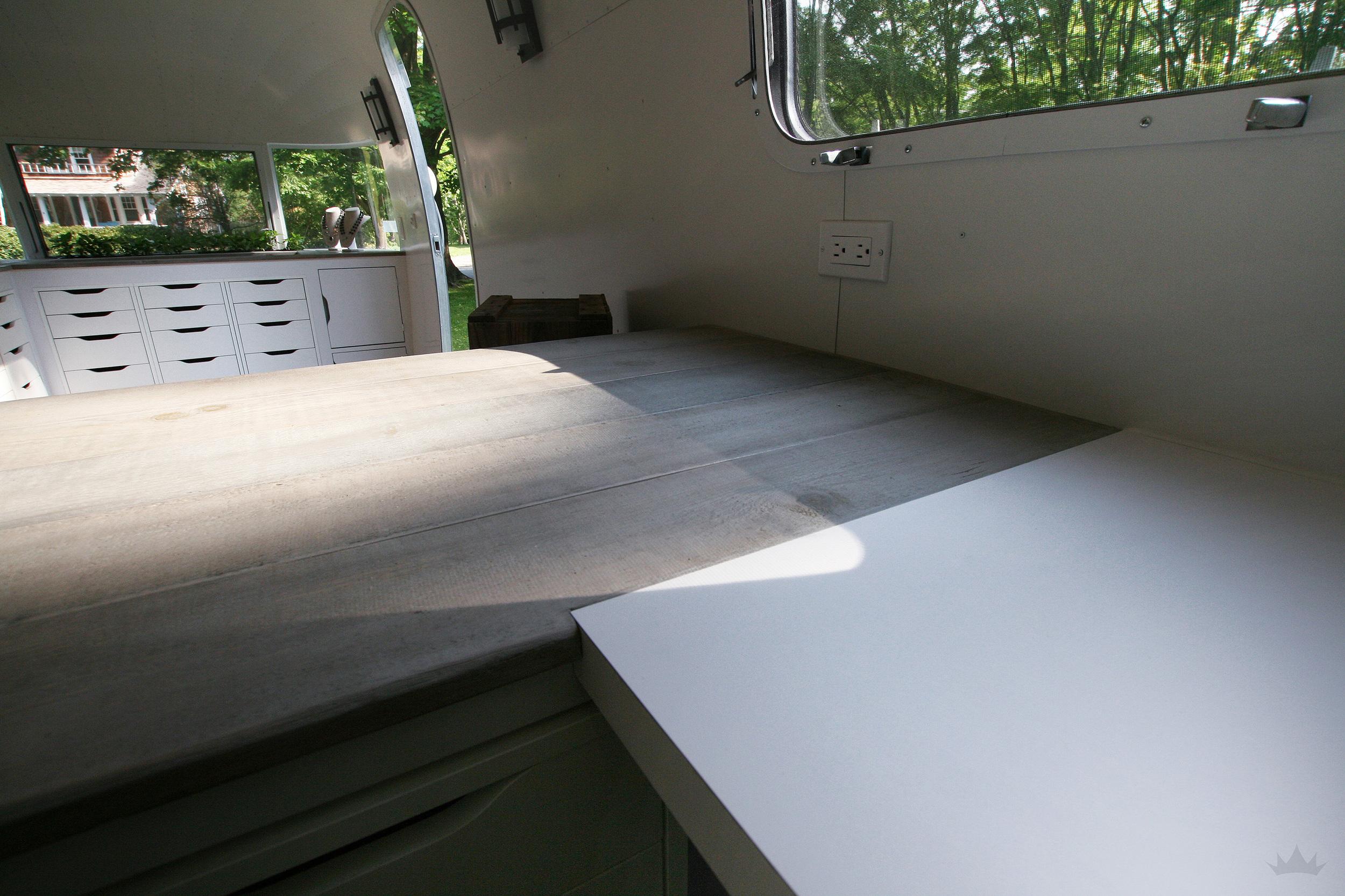 SHOW_Desk (2).JPG