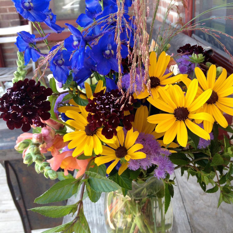 StrayCat Flower Farm Bouquet