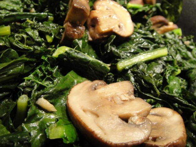 Garlicky mushrooms and kale