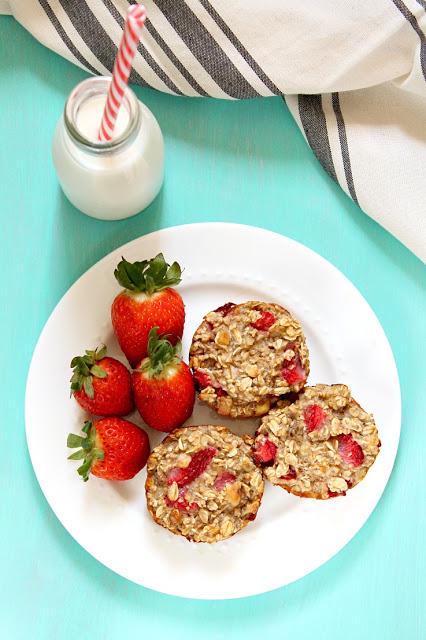 strawberry banana oatmeal cups