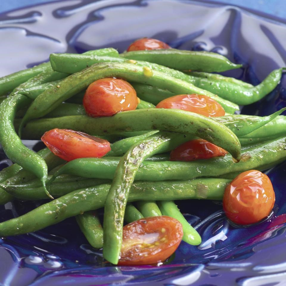 green beans and cherry tomatoes