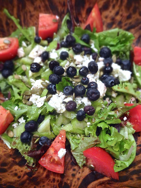 salad with blueberries and tomatoes