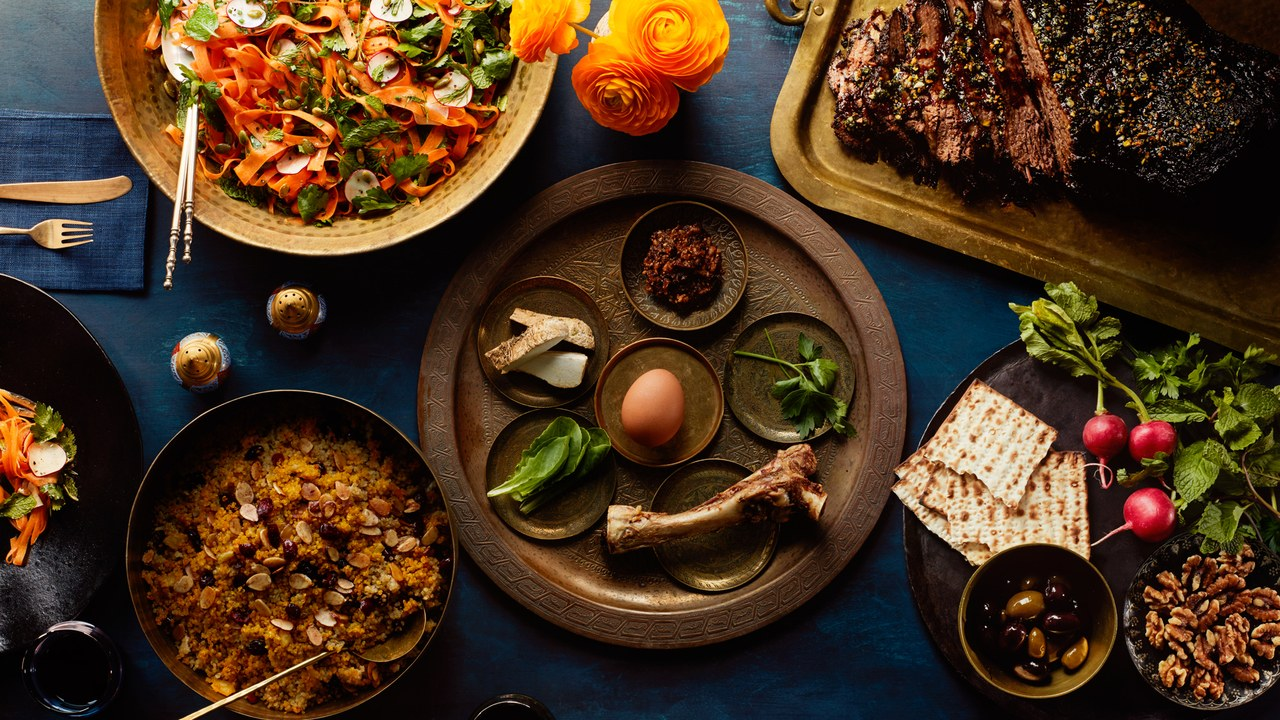 WHAT GOES ON YOUR SEDER PLATE -