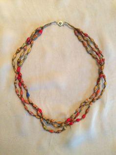 bead_necklace_3string_2.jpg