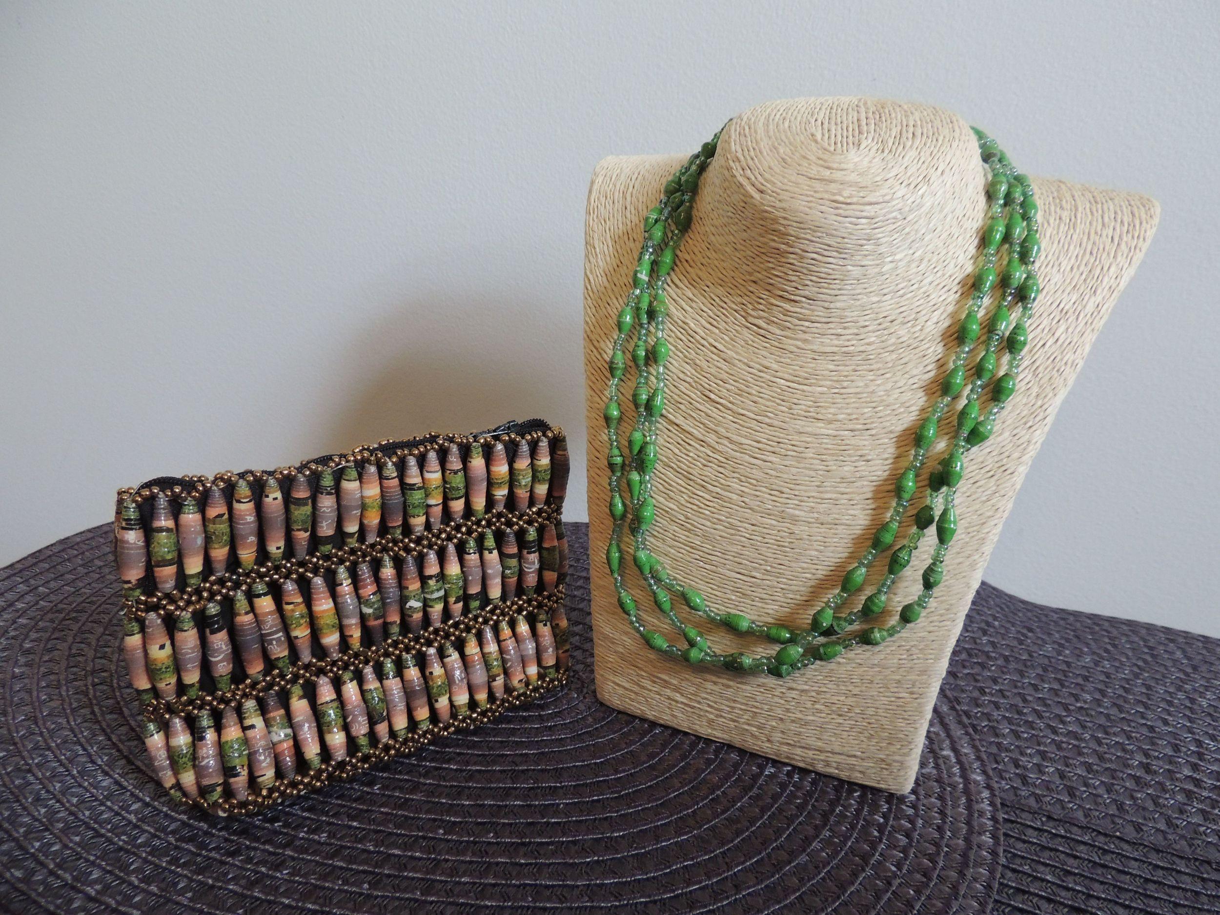 Necklace_purse_green.jpg