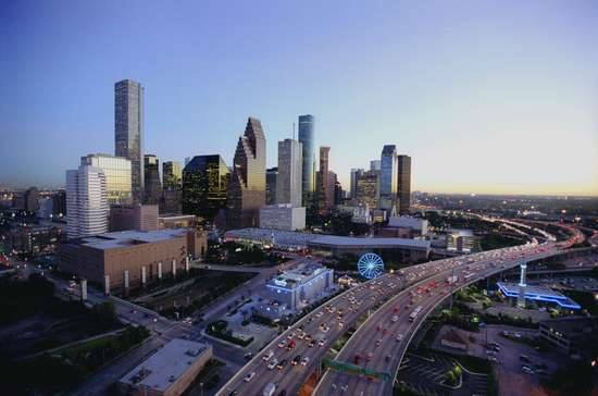22. Houstonians Like (and Need) Their Cars