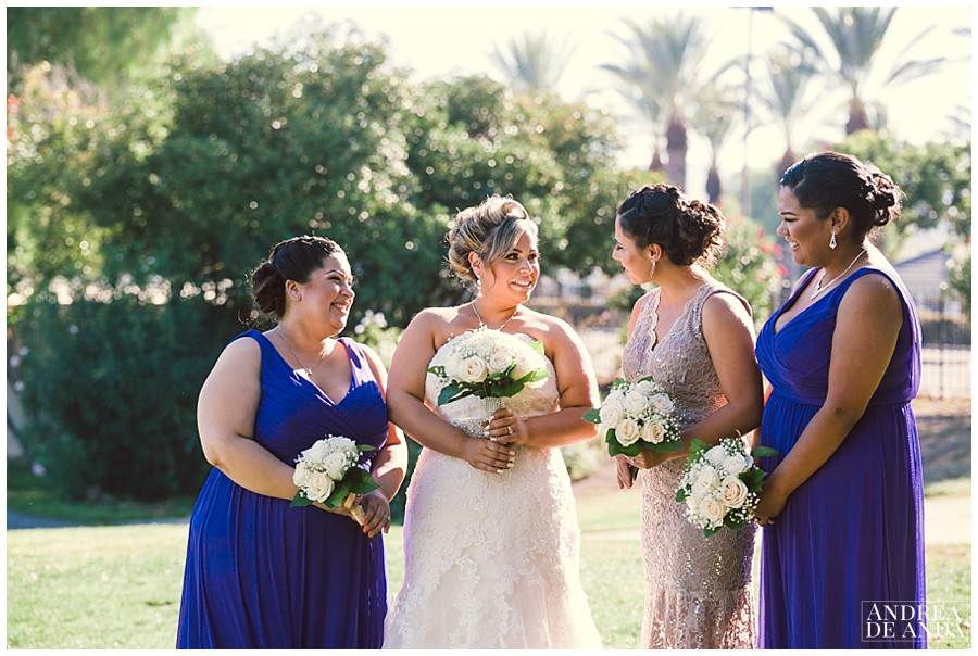 Erica & her bridesmaids having fun in the golf course. We enjoyed beautiful light and a few fun stories.