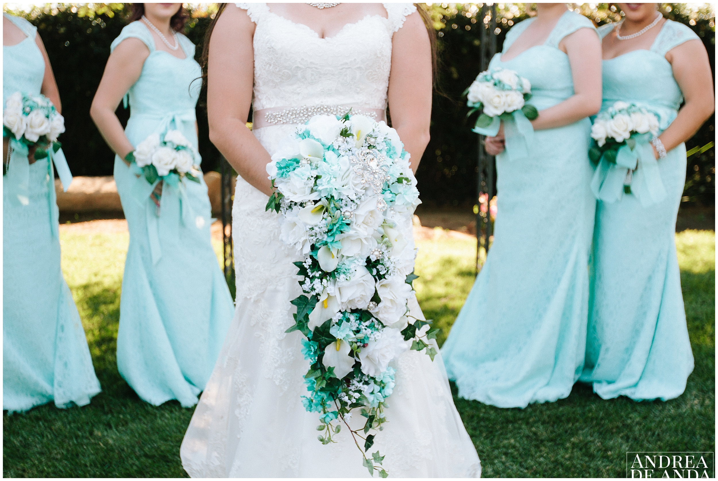 Bride and bridesmaids photosession with bouquets