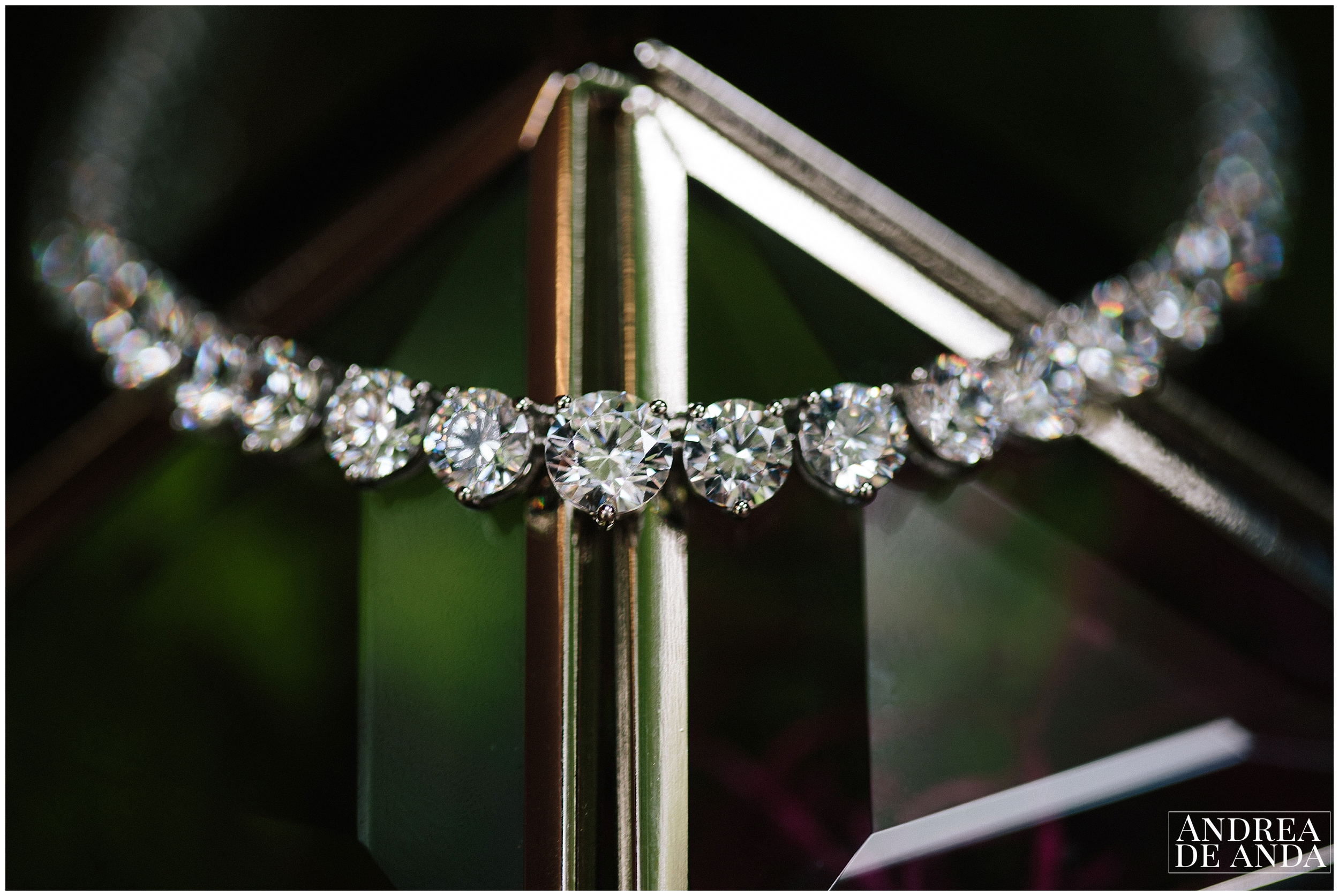this diamond necklace is a moroccan tradition of gift from groom to bride