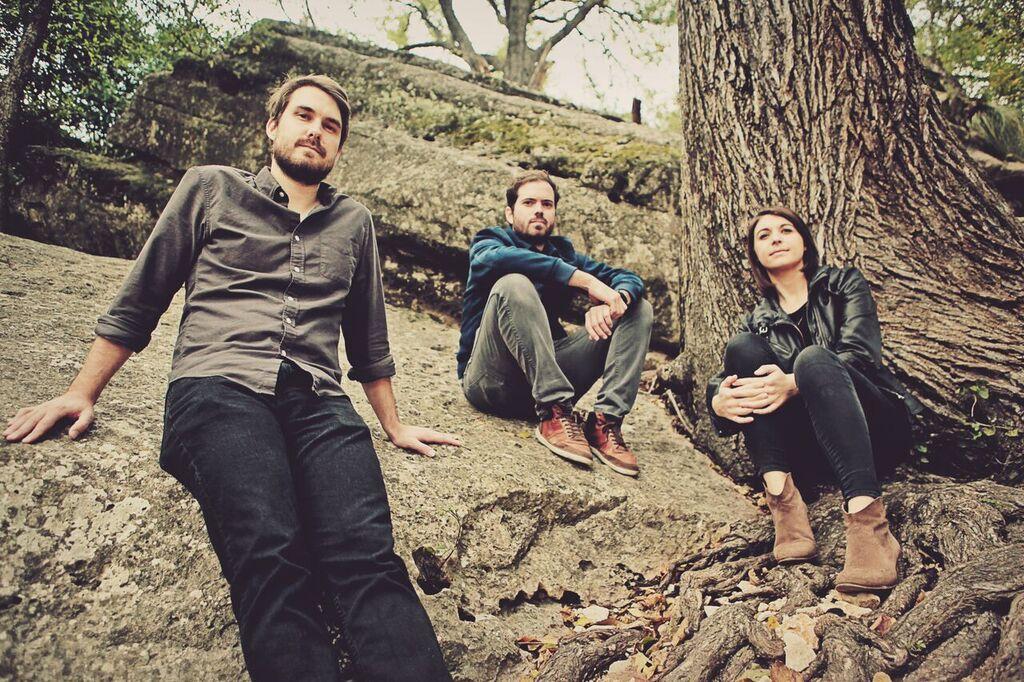 Frontman, Matt Evans, Drummer, Kevin Butler and Violinist,Niamh Fahy of Reddening West