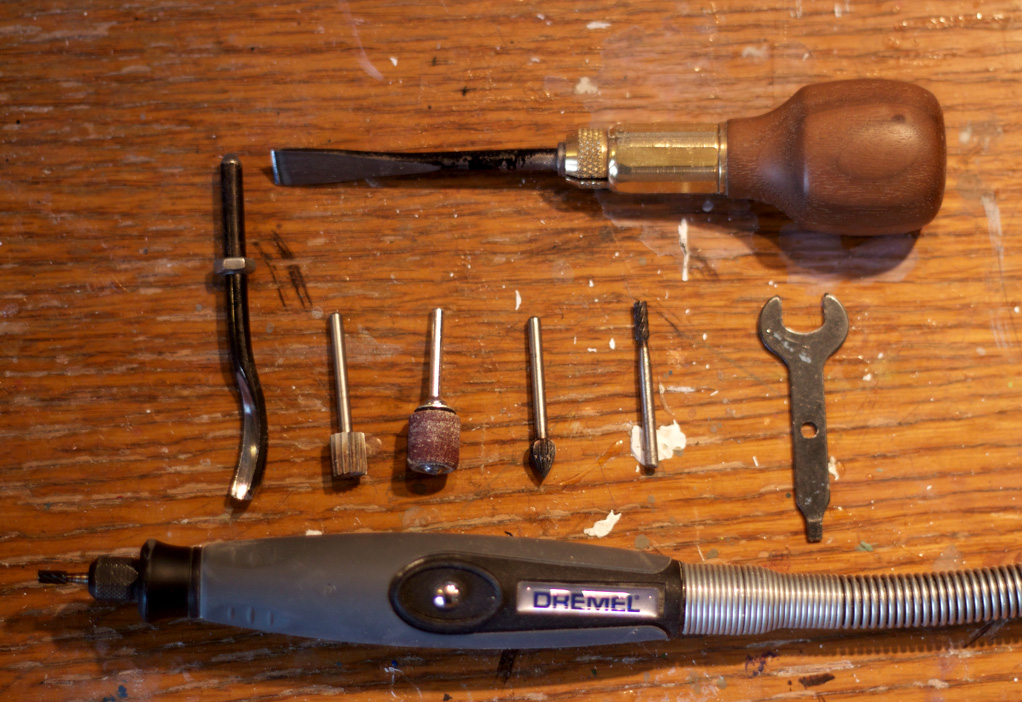 Here are some of the most important items you'll need to make your carving.