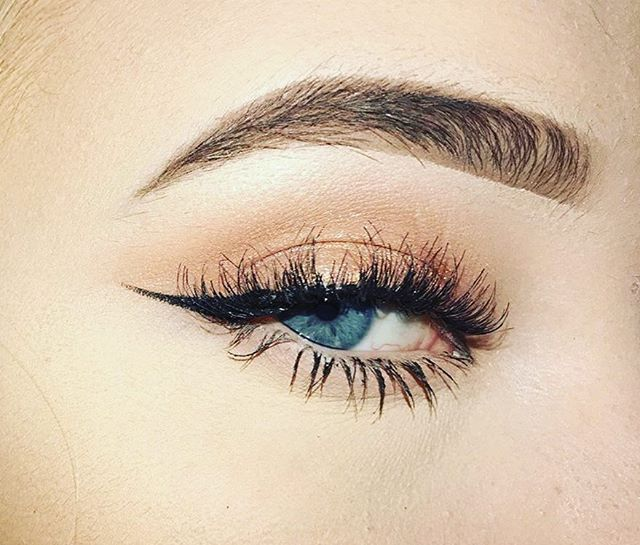 These are our most popular lashes! #wispy worn by beautiful @bbbeccamakeup just $2.50 per pair online. Only 5 pairs left! #lashesfordays #lashgamestrong #2017 #falsies #wispylashes #beauty