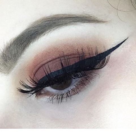 Smashes Lashes in #italy with @alessia_pini loving this international lash look! #makeupaddict #beauty #blogger #lookoftheday #falselashes #lashlove #lashes
