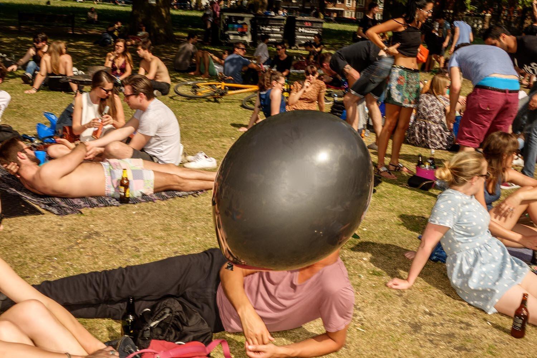 shoreditch exhibition-ballon.jpg
