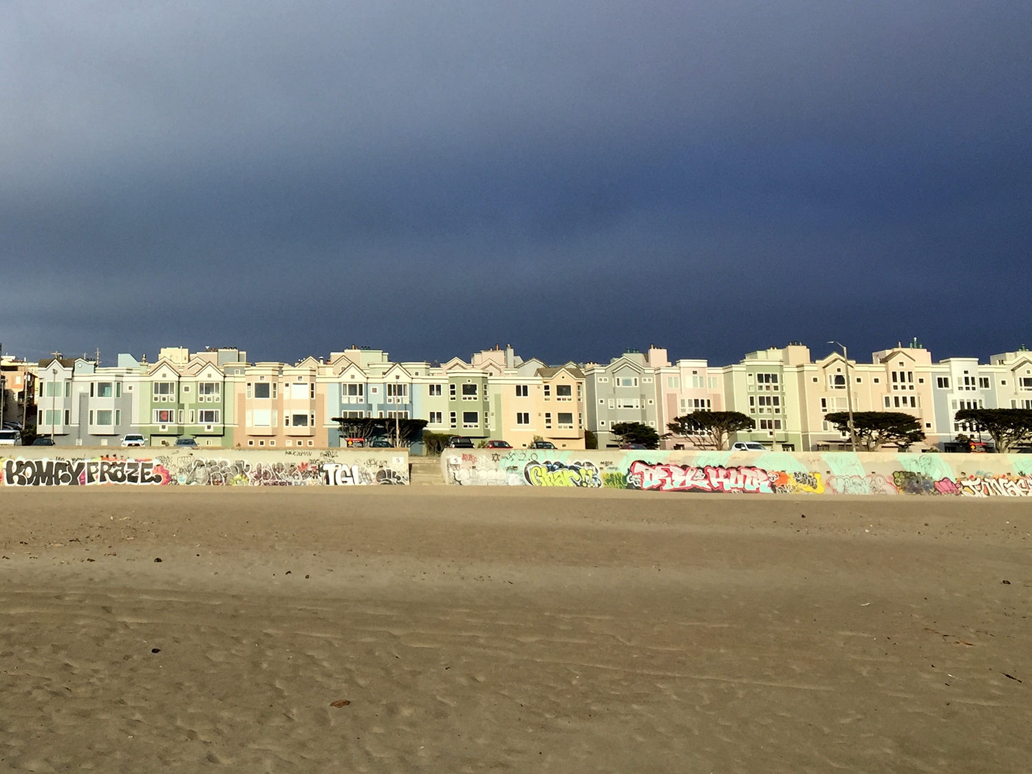 Ocean Beach  Looking East   6:50 pm