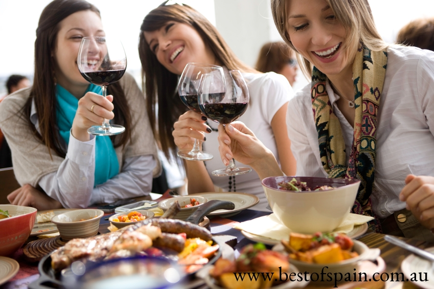 Girls+Dining+Photo+Istock.jpg