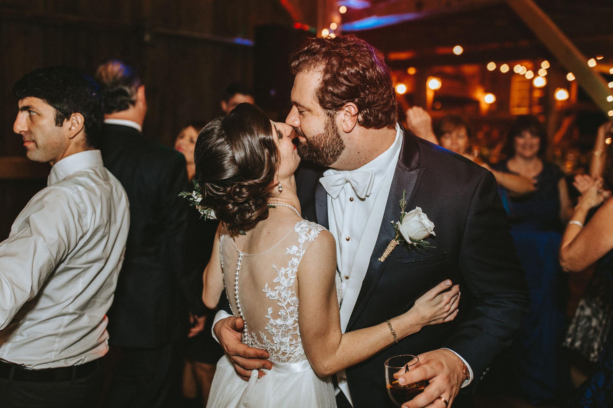Twisted-Oaks-Studio-Arianne-Sean-Wedding-550.jpg