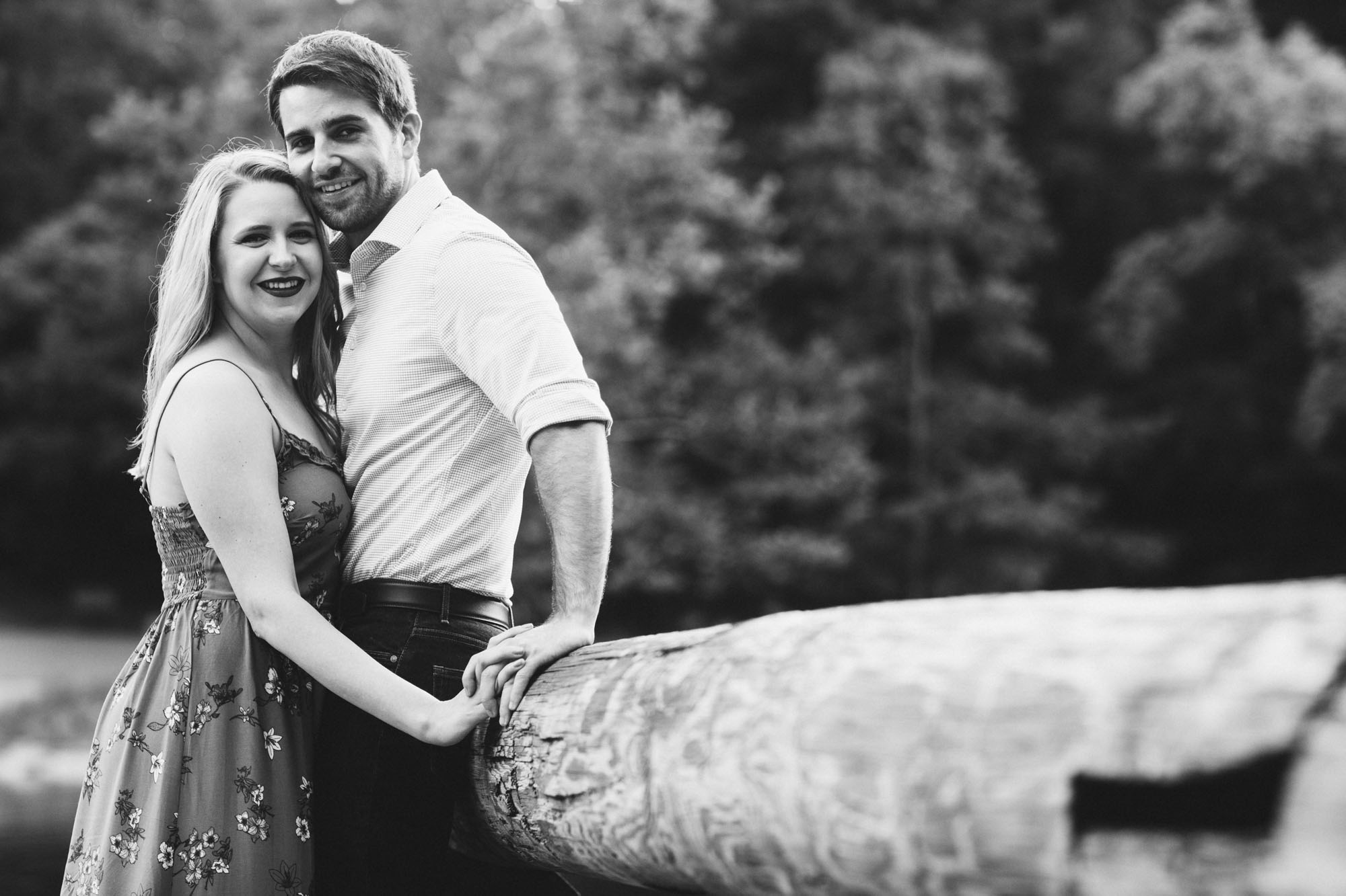 Twisted-Oaks-Jessica-Matt-EngagementI07A3012.jpg