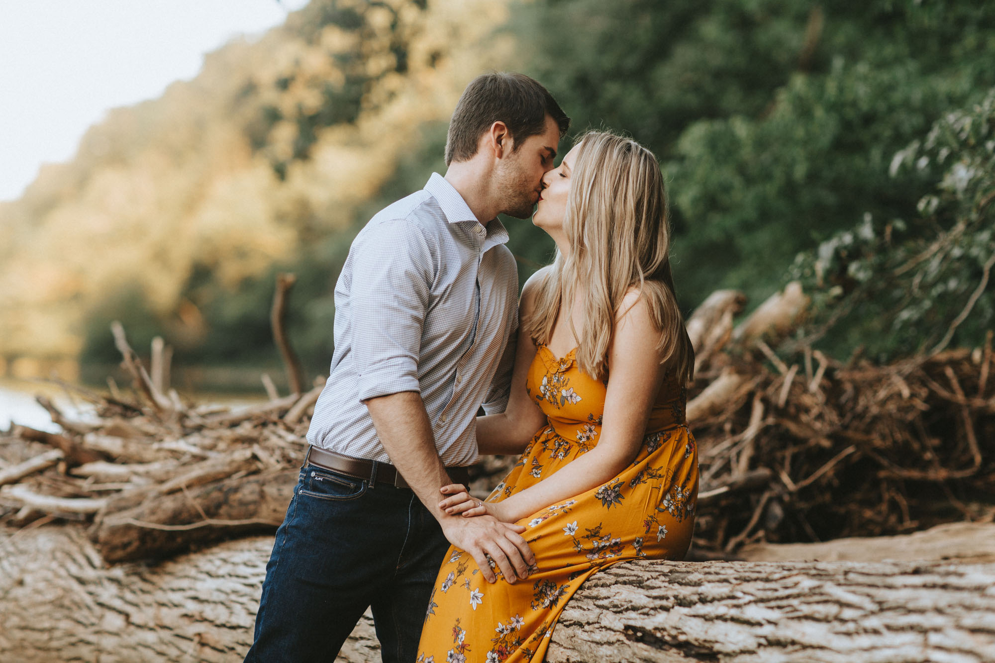 Twisted-Oaks-Jessica-Matt-EngagementI07A3400.jpg