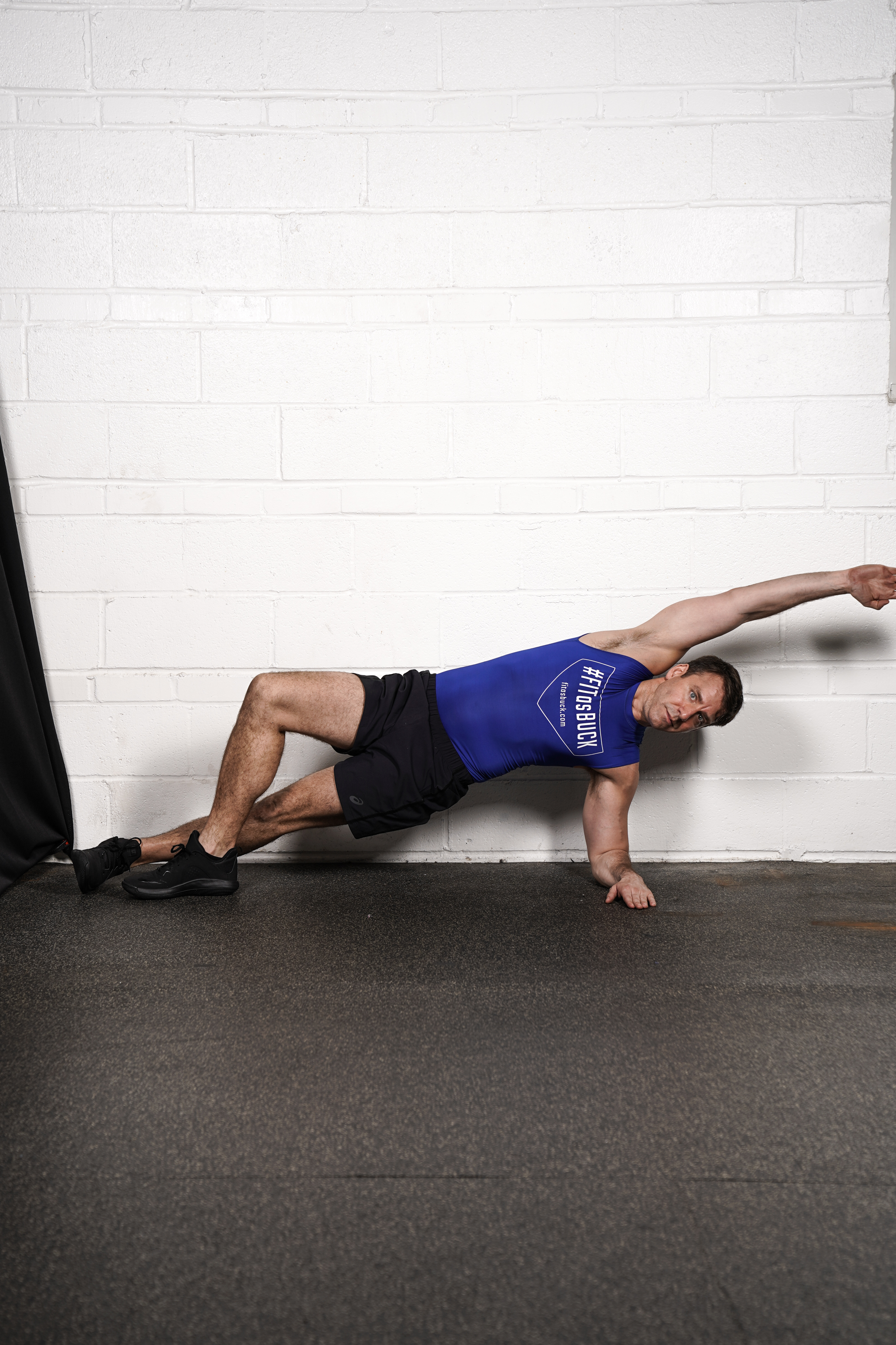 Figure 4 side Plank Hold - (right side)- DURATION: 30 seconds