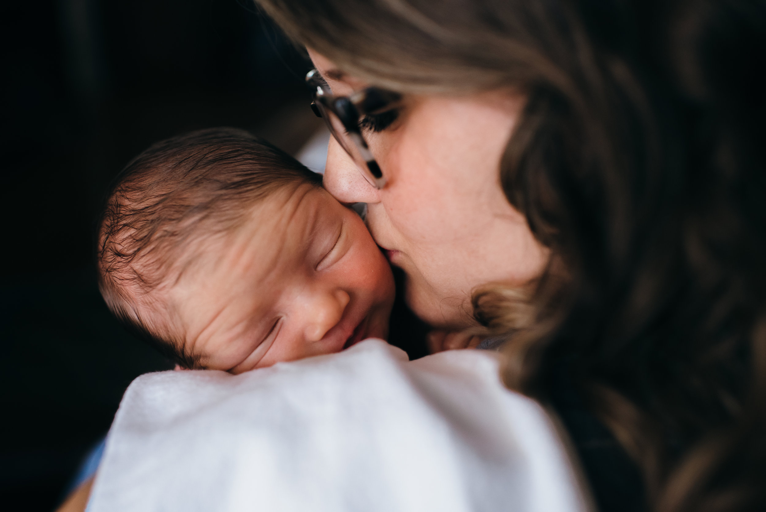 Cam-Madison-Alabama-Newborn_photography-session-at-home-94.jpg