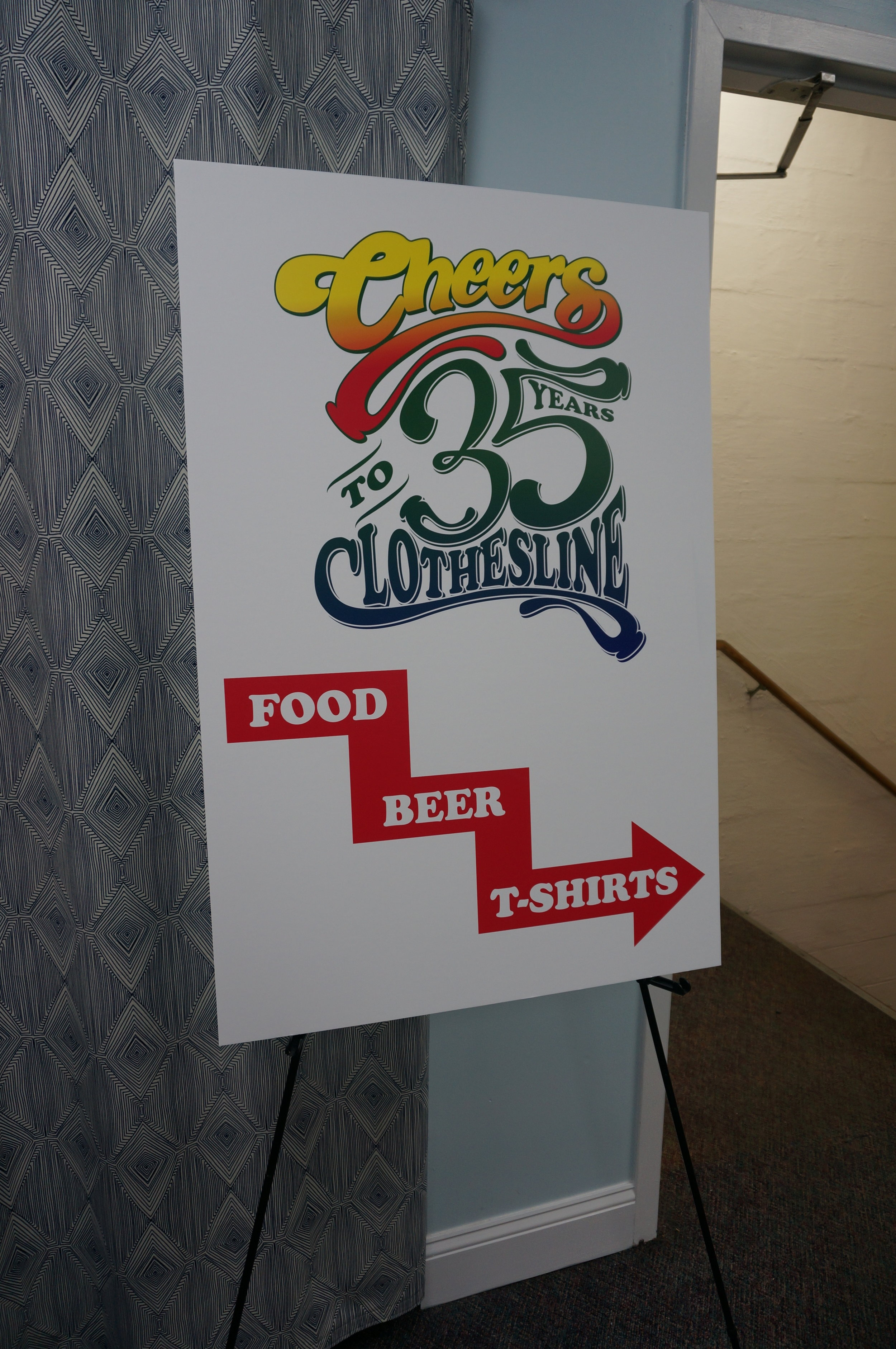 cheers-directional-sign