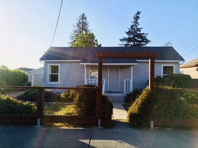 JUST LISTED & already pending! . 244 Alden Road in Hayward . Cute, cottage, style home, with great curb appeal, featuring 2 bedrooms and 1 bathroom, 780 sq.ft., 4,800 sq.ft. lot, built in 1937. This bright and airy little gem has central heating, eat in kitchen, with ceiling fan, leads out to a beautiful deck, also accessible from one bedroom, overlooking the backyard. The laundry room is off of kitchen, as well as, additional storage. The home is freshly painted inside and out, newer roof and water heater, detached garage, possible RV parking, with its long driveway, nice sized lot, walking distance to Dog Park, Meek Estate and just around the corner from the groundbreaking Cherryland Community Center. Close to schools, shopping and freeways. . #shamrockrealtors #hayward #justlisted #pending #bayarearealtor #CAR