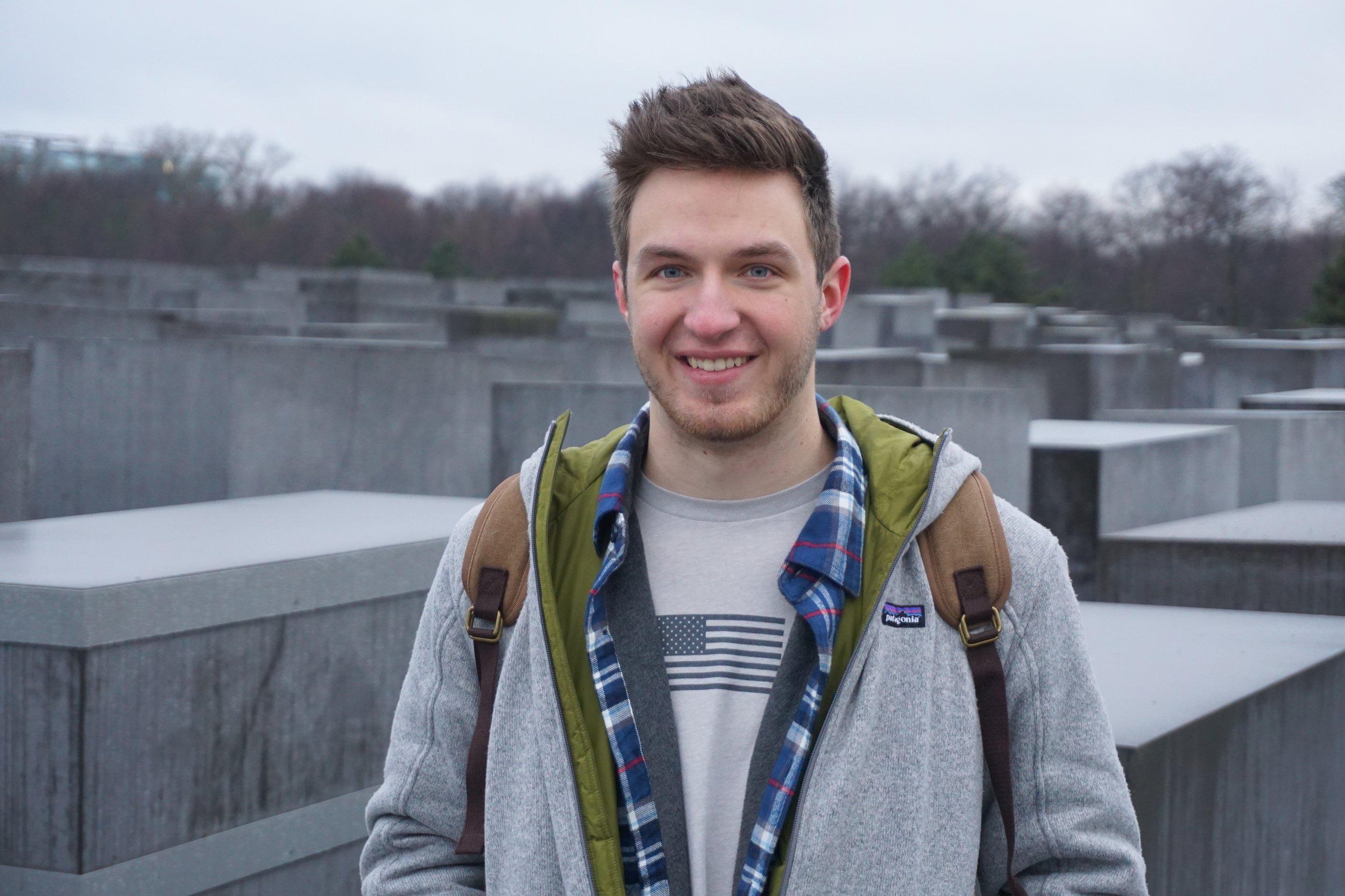 Jacob - New York CityKPMG Audit AssociateTraveler