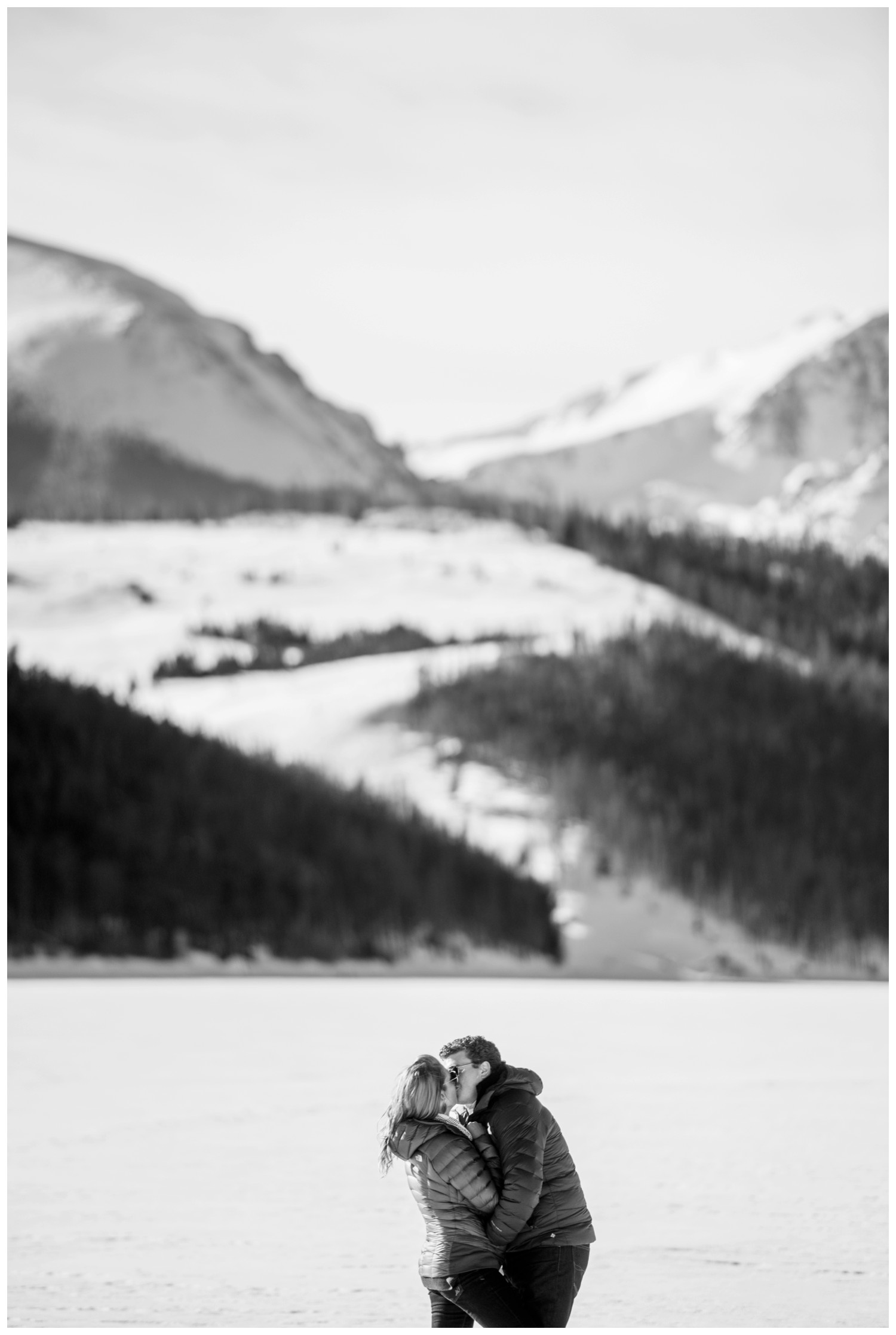 sapphire-point-colorado-winter-engagement-photography-_0016.jpg