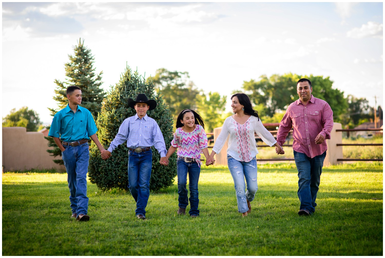 Colorado-lifestyle-farm-family-photography_0027.jpg