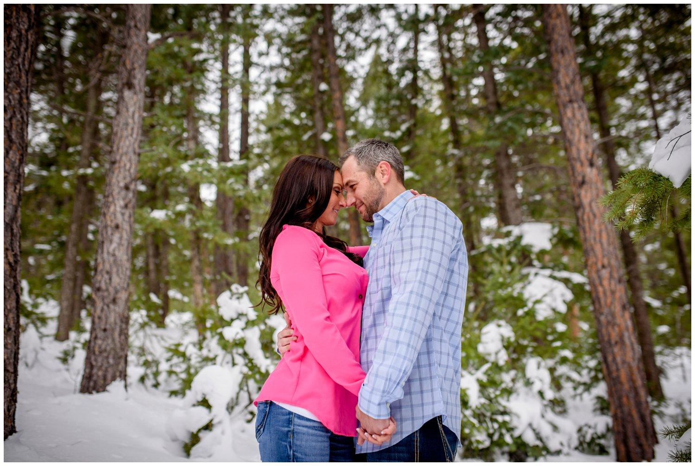evergreen-colorado-winter-engagement-photography_0018.jpg